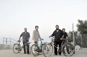 Sacri-photo-bike-far-away