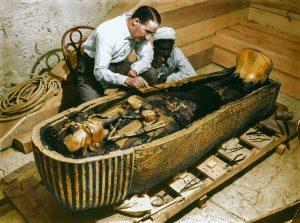 tomba-di-tutankhamon-copyright-harry-burton