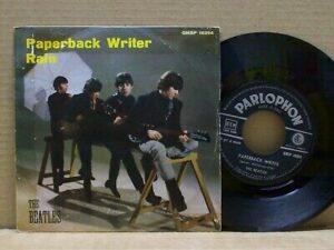 la stampa italiana del 45 giri Paperback Writer/rain dei Beatles